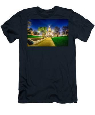 Topeka Kansas Downtown At Night Men's T-Shirt (Athletic Fit)