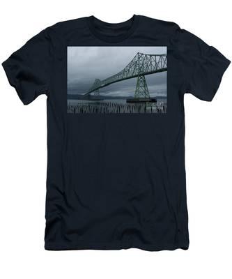 Astoria Bridge Men's T-Shirt (Athletic Fit)