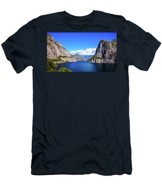 Hetch Hetchy Reservoir Yosemite Men's T-Shirt (Athletic Fit)