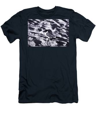 Lone Seagull Men's T-Shirt (Athletic Fit)