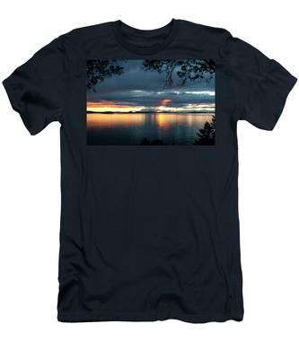 Orcas Island Sunset Men's T-Shirt (Athletic Fit)