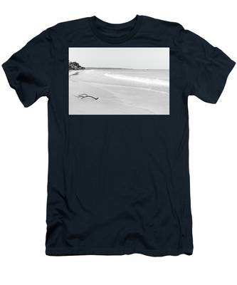 Sand Meets The Sea In Black And White Men's T-Shirt (Athletic Fit)