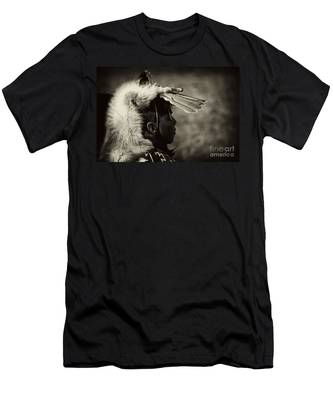 4 - Feathers Men's T-Shirt (Athletic Fit)