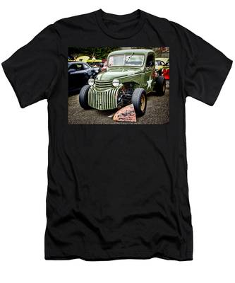 Army Truck Men's T-Shirt (Athletic Fit)