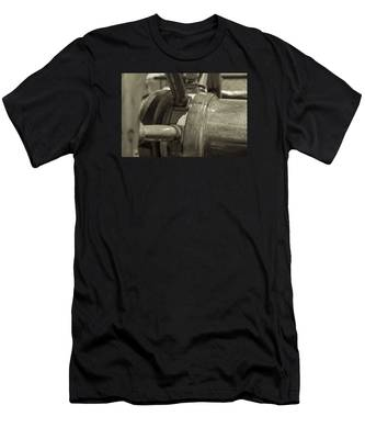 At The Helm Black And White Sepia Men's T-Shirt (Athletic Fit)