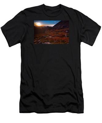 Bathing In Last Light Men's T-Shirt (Athletic Fit)