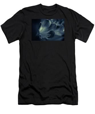 Clivia Miniata II Men's T-Shirt (Athletic Fit)