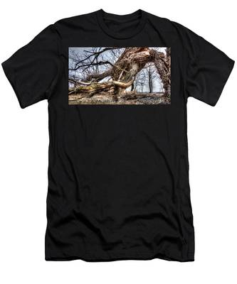 Fallen Twisted Giant Men's T-Shirt (Athletic Fit)