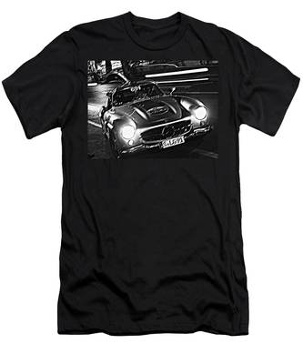 Gullwing In Rome Men's T-Shirt (Athletic Fit)