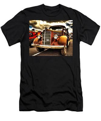 Hdr Fire Truck Men's T-Shirt (Athletic Fit)