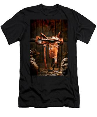 Old Western Saddle Men's T-Shirt (Athletic Fit)