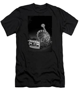 Space Needle Fights The End Of The World Men's T-Shirt (Athletic Fit)