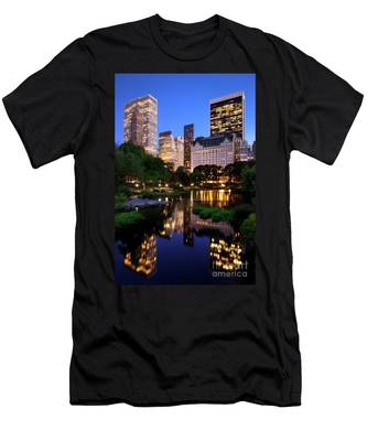 Twilight Nyc Men's T-Shirt (Athletic Fit)