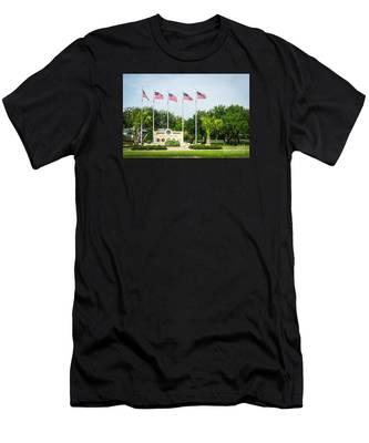 Veterans Memorial Laguna Vista Texas Men's T-Shirt (Athletic Fit)