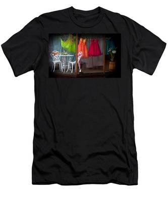 When A Woman Dreams Men's T-Shirt (Athletic Fit)