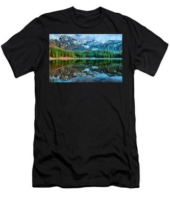 Alta Lakes Reflection Men's T-Shirt (Athletic Fit)