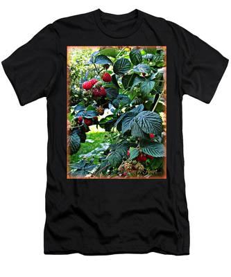 Backyard Berries Men's T-Shirt (Athletic Fit)