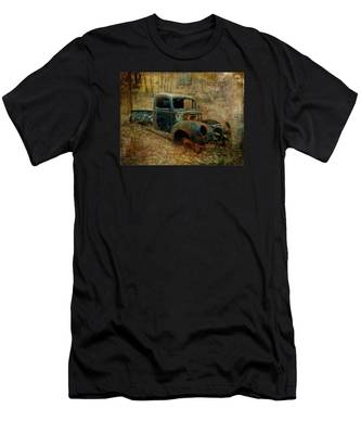 Resurrection Vintage Truck Men's T-Shirt (Athletic Fit)