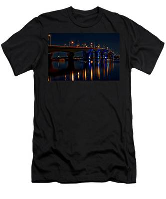 Hathaway Bridge At Night Men's T-Shirt (Athletic Fit)