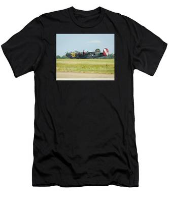 Consolidated B-24j Liberator Men's T-Shirt (Athletic Fit)