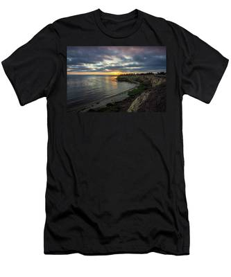 Men's T-Shirt (Athletic Fit) featuring the photograph Lunada Bay At Sunset by Andy Konieczny