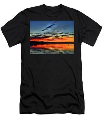 Sunrise Onset Pier Men's T-Shirt (Athletic Fit)