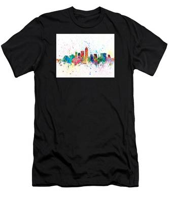 Indianapolis Indiana Skyline Men's T-Shirt (Athletic Fit)