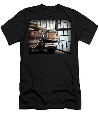 Alfa Romeo In Black Men's T-Shirt (Athletic Fit)