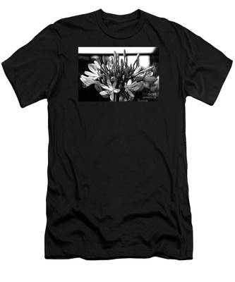 Becoming Beautiful - Bw Men's T-Shirt (Athletic Fit)