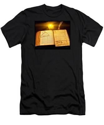 Black Sunday Men's T-Shirt (Athletic Fit)