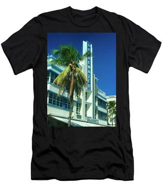 Breakwater Miami Beach Men's T-Shirt (Athletic Fit)