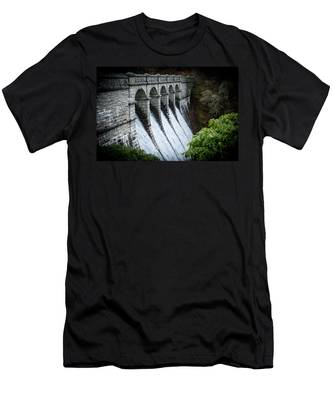 Burrator Reservoir Dam Men's T-Shirt (Athletic Fit)