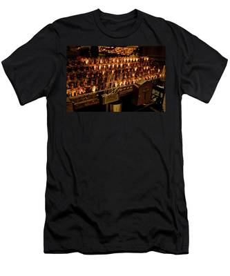 Candle Offerings St. Patrick Cathedral Men's T-Shirt (Athletic Fit)
