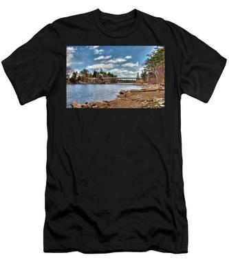 Chain Bridge On The Merrimack Men's T-Shirt (Athletic Fit)