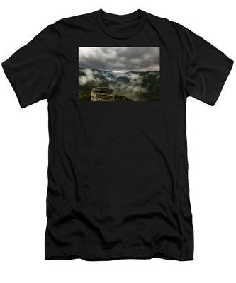 Clouds Rising At Lindy Point Men's T-Shirt (Athletic Fit)