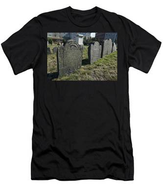 Colonial Graves At Phipps Street Men's T-Shirt (Athletic Fit)
