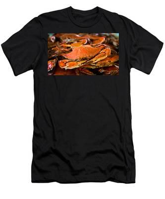 Crab Boil Men's T-Shirt (Athletic Fit)