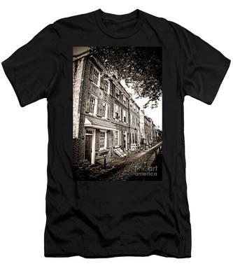 Elfreth Alley  Men's T-Shirt (Athletic Fit)