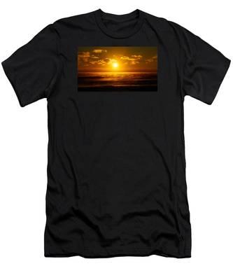 Foggy Gold Sunrise Men's T-Shirt (Athletic Fit)