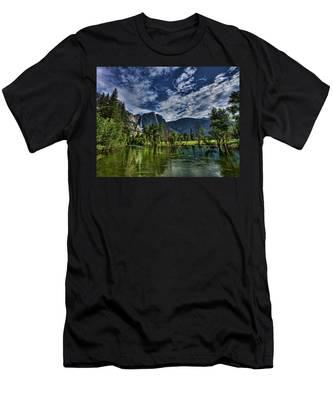 Follow The River Men's T-Shirt (Athletic Fit)