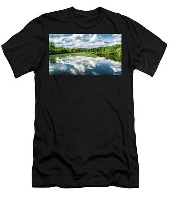 Fox River Men's T-Shirt (Athletic Fit)