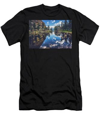 Gem Lake Reflections Men's T-Shirt (Athletic Fit)