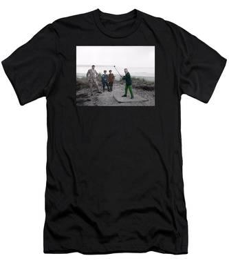 Golf 1907 Dream Men's T-Shirt (Athletic Fit)