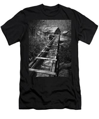 Hagood Gristmill Waterwheel At Hagood Mill Men's T-Shirt (Athletic Fit)