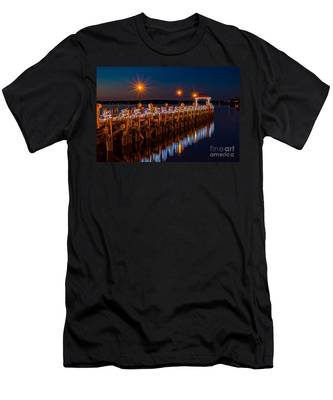 Holiday On The Docks Men's T-Shirt (Athletic Fit)