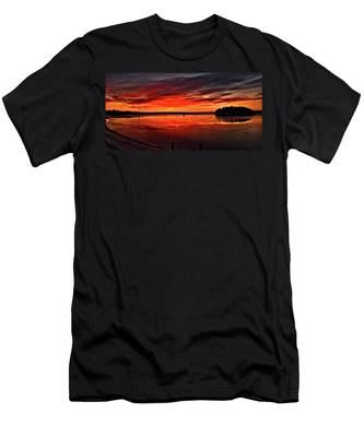 January Sunrise Onset Pier Men's T-Shirt (Athletic Fit)