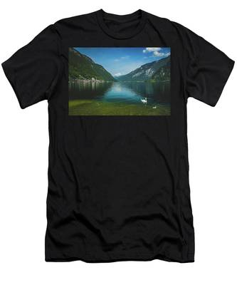 Lake Hallstatt Swans Men's T-Shirt (Athletic Fit)