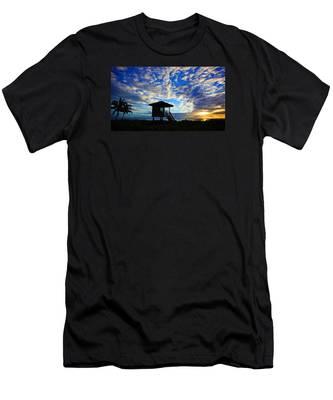 Lifeguard Station Sunrise Men's T-Shirt (Athletic Fit)