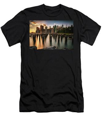 Lower Manhattan Sunset Twinkle Men's T-Shirt (Athletic Fit)