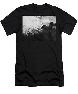 Melting Creek Men's T-Shirt (Athletic Fit)